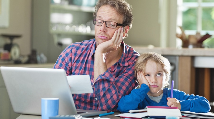 Уроки детям на 70% делают родители